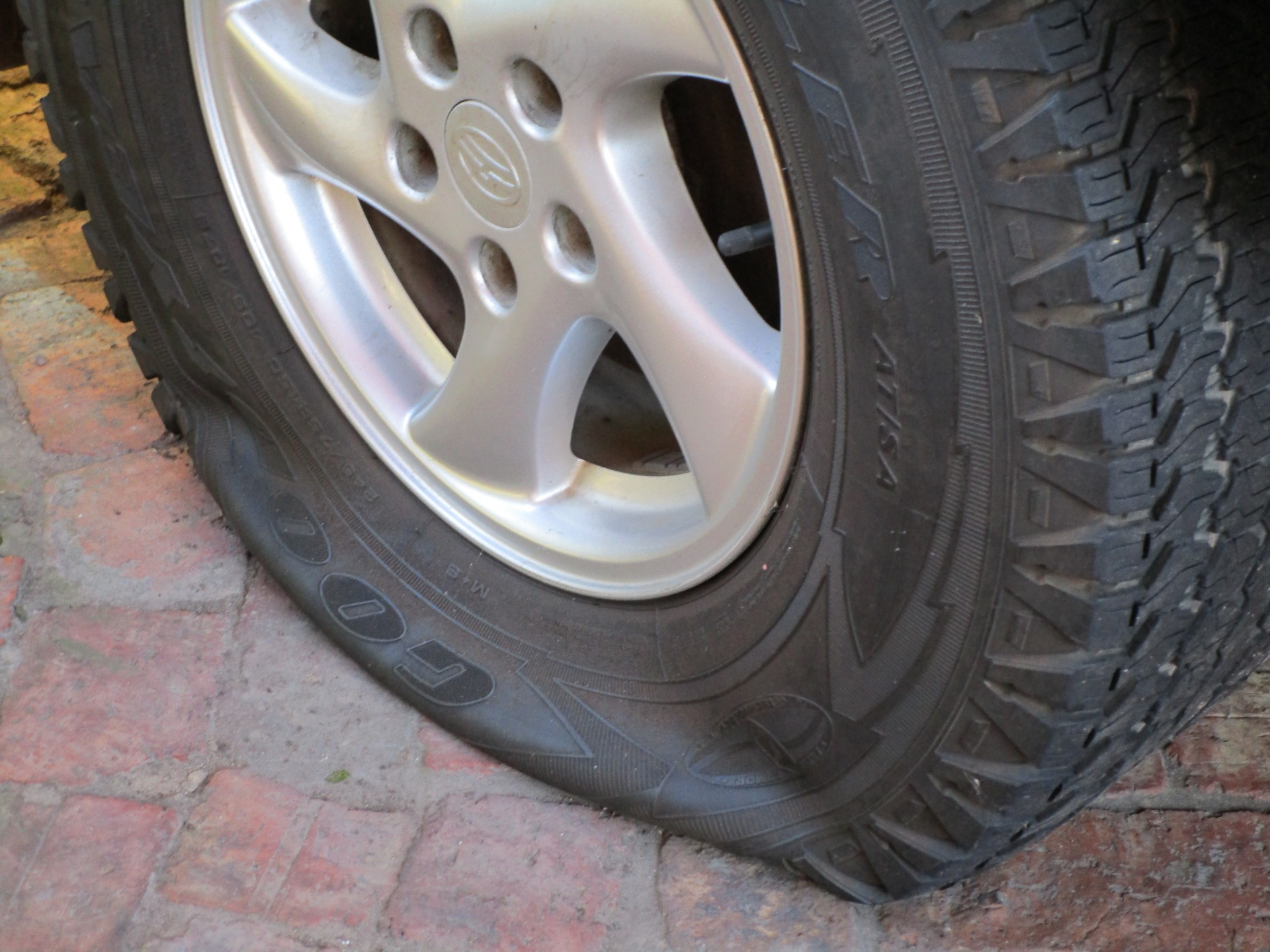 flat-tyre (1)