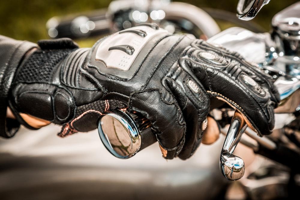 Jak vybrat moto rukavice