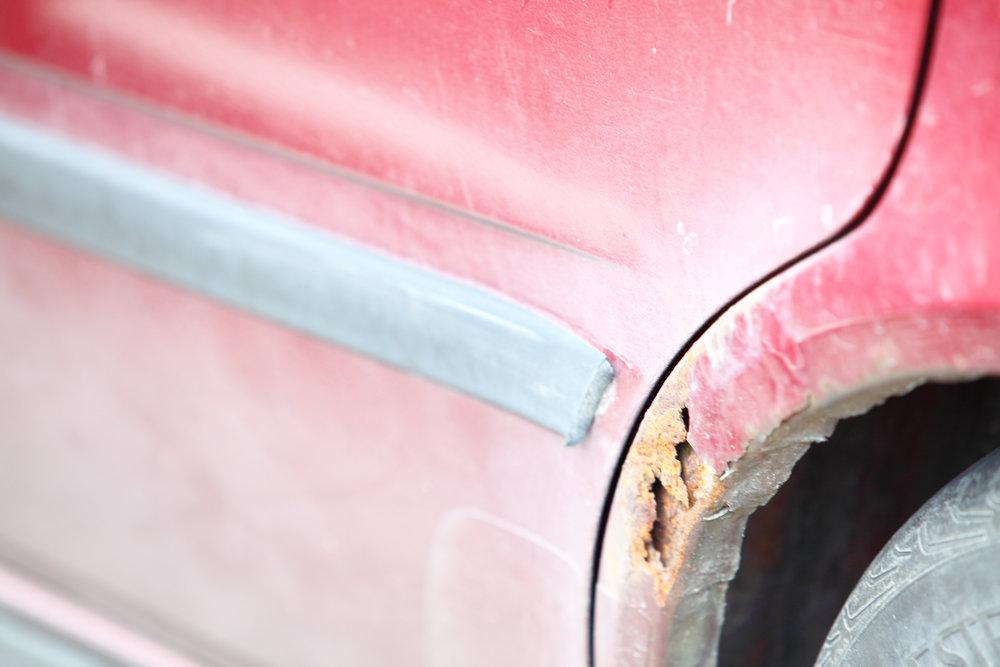 Jak opravit rez na autě