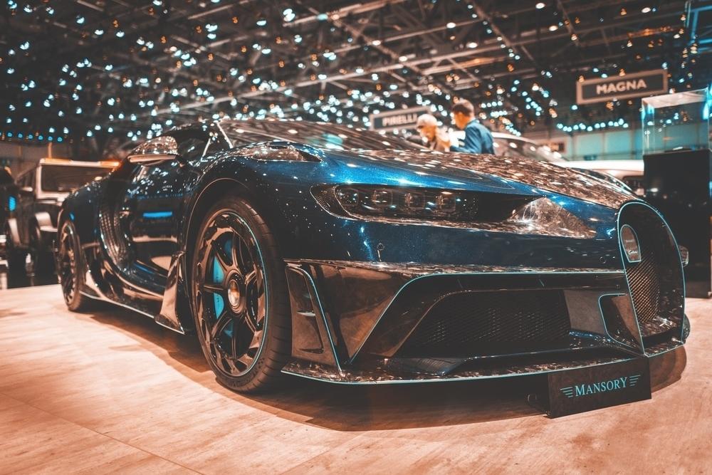 Modré Bugatti Veyron