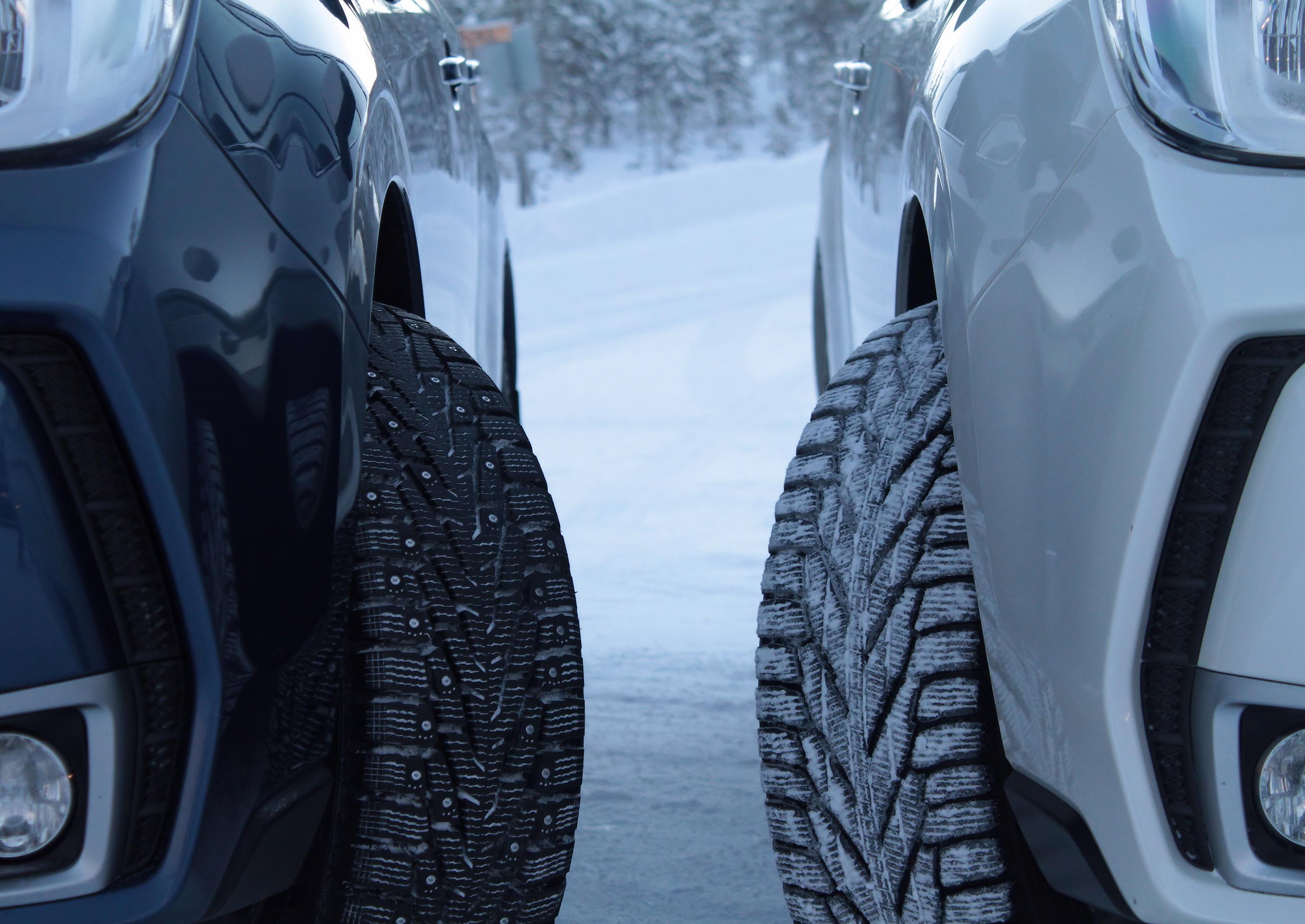 Zimní pneu na sněhu