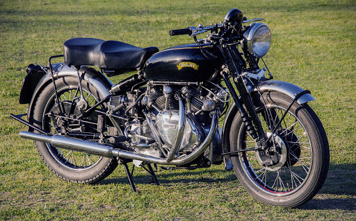 Motocykl Vincent White Shadow