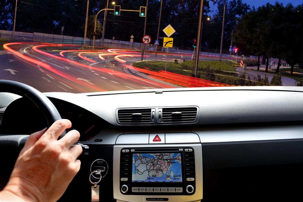 Navigace v autě v noci