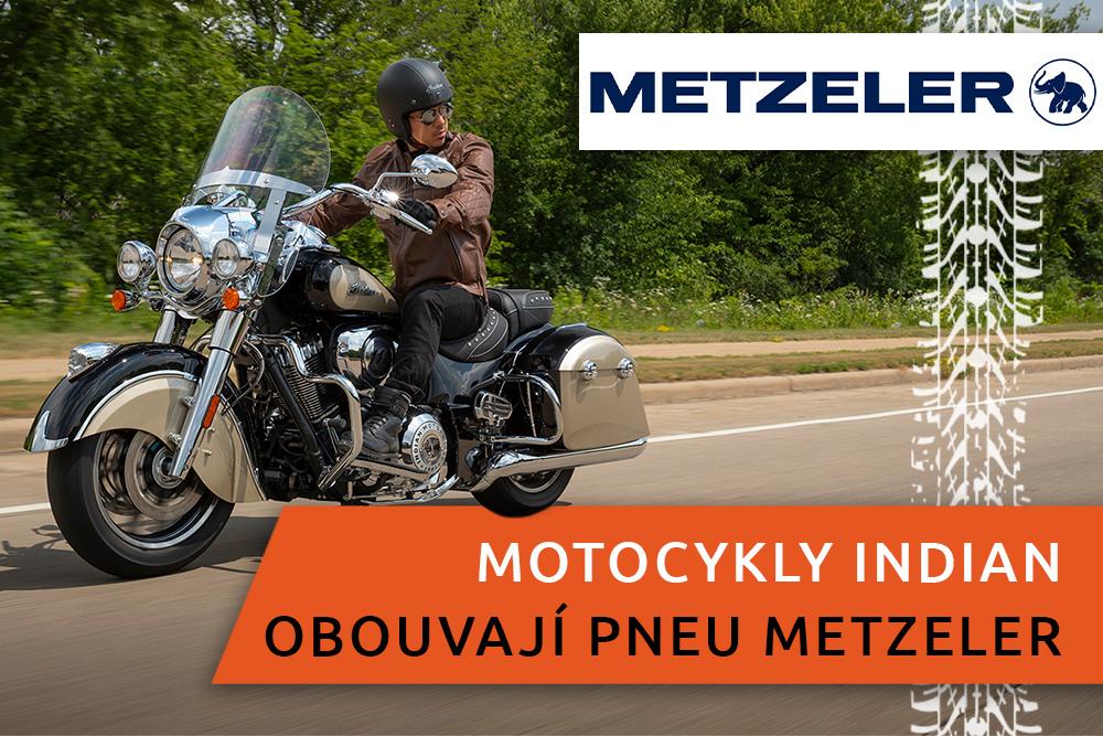 Motorkář na silničním motocyklu Indian Springfield